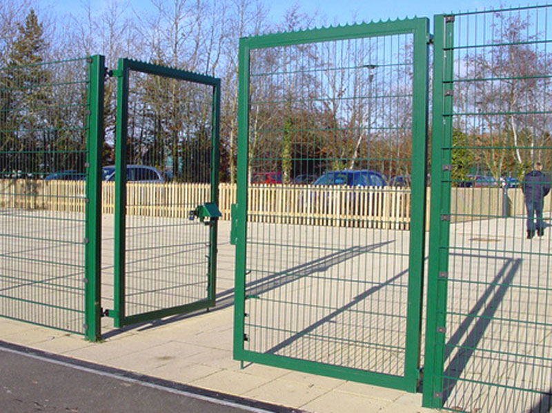 Universal Fencing Contracting Welded Mesh Fence Chain